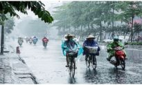 Việt Nam mưa khắp 3 miền, Sa Pa bất ngờ rét hại dù mới vào đầu thu