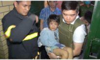 Giải cứu bé gái bị bố đẻ bạo hành, thu 1 khẩu súng có đạn đã lên nòng