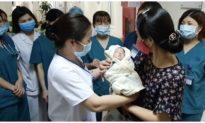 Bé sơ sinh bị phá bỏ ở tuần thai thứ 31 đã về nơi ở mới
