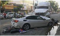 TP. HCM: Xe container mất lái húc ôtô và nhiều xe máy, nhiều người bị thương
