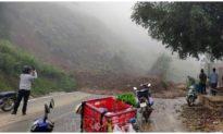 Sạt lở đất ở Sơn La chắn ngang quốc lộ, giao thông ùn tắc cục bộ