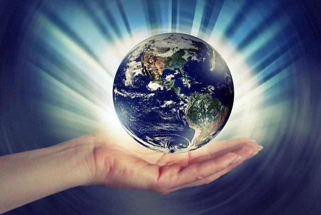 Chúng ta nhất định phải tôn trọng Trái Đất mà chúng ta đang sinh sống, tôn trọng hết thảy sinh mệnh trong vũ trụ.