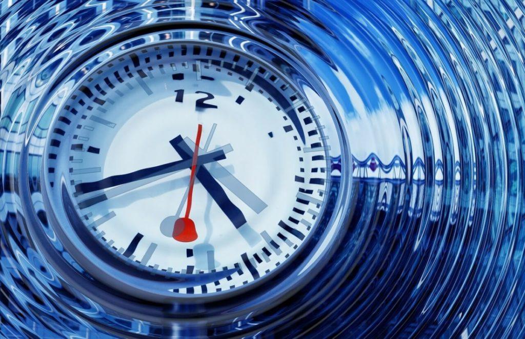 Một sinh viên chứng minh du hành thời gian là có thể mà không gây ra nghịch lý