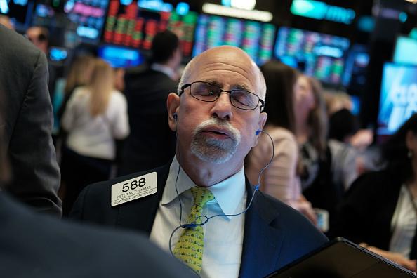 Chứng khoán Mỹ, dầu thô, Bitcoin cũng đồng loạt 'gặp hạn' vì … 'bom nợ' Evergrande