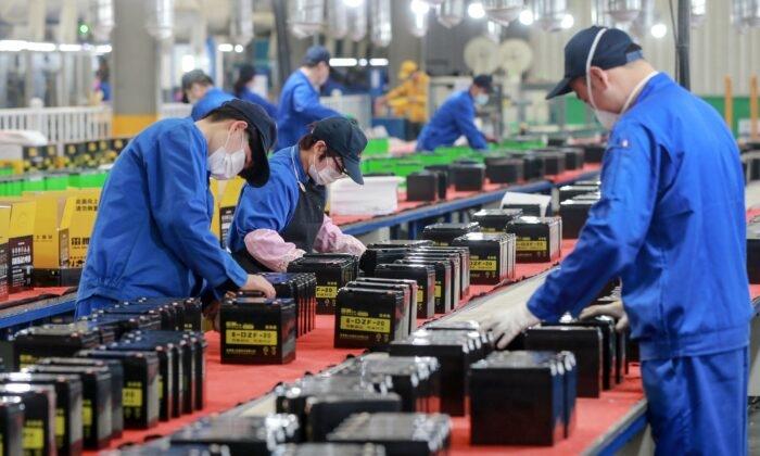 Sản xuất của Trung Quốc duy trì sự phục hồi nhưng mong manh vì chi phí đầu vào tăng cao