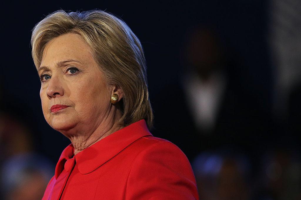 """Bà Hillary Clinton thậm chí còn tuyên bố công khai rằng, Joe Biden không nên nhượng bộ cuộc bầu cử """"trong bất kỳ hoàn cảnh nào""""."""