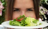 Chế độ ăn thuần chay khác chế độ 'ăn chay' trong giảm đột quỵ như thế nào?