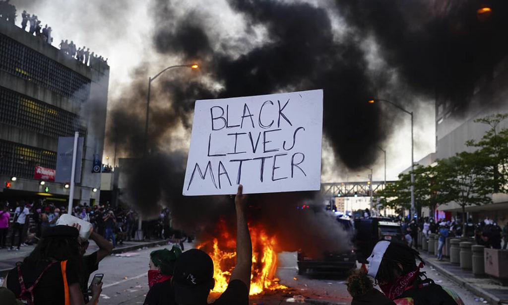 Đảng Dân chủ chỉ quan tâm ngày 6/1, nhưng người dân Mỹ càng muốn điều tra bạo động vì BLM hơn