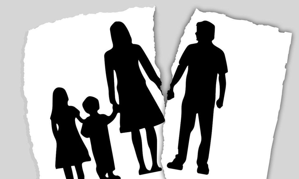Giúp người viết thư thỏa thuận ly hôn, công danh lợi lộc bị xóa bỏ