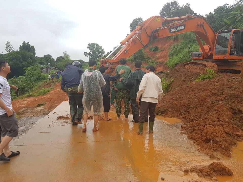 Sạt lở núi ở Quảng Trị: Tìm thấy 14 thi thể trong số 22 người mất tích