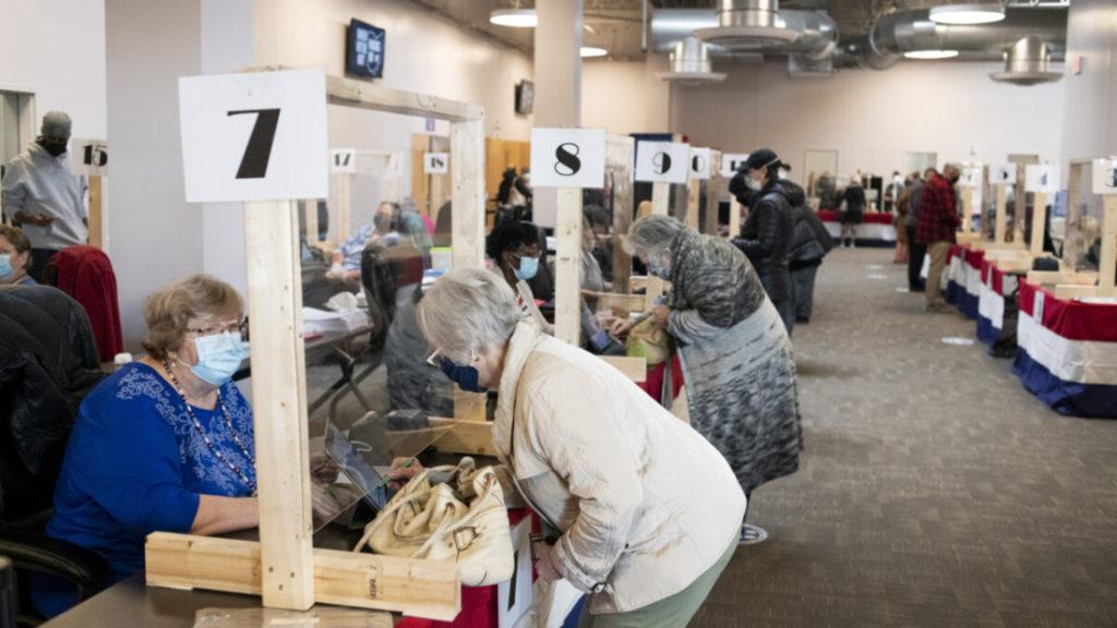 Khởi kiện một hạt tại Ohio vì hợp đồng thiết bị bỏ phiếu với Dominion Voting Systems