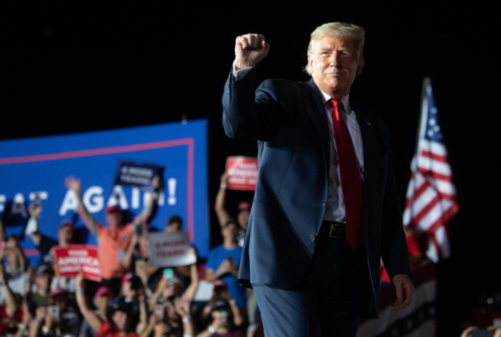 TT Trump lạc quan và đầy năng lượng tại cuộc vận động tranh cử đầu tiên sau khi hồi phục