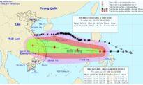 Bão số 9 giật cấp 14 đi vào biển Đông, đang tiếp tục mạnh lên