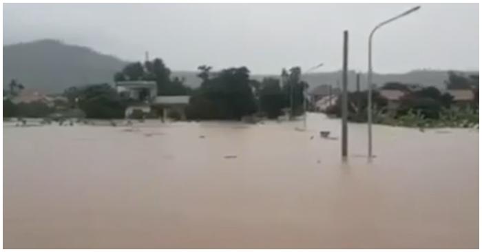 Hồ Tả Trạch nhận lệnh khẩn xả nước, học sinh toàn tỉnh TT-Huế nghỉ học do mưa lũ phức tạp