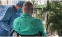 Bệnh nhân phi công người Anh đã được xuất viện sau 3 tháng rời Việt Nam về quê nhà điều trị