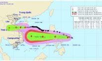 Bão số 8 cách đất liền Hà Tĩnh đến Quảng Trị 330 km, ngày mai bão số 9 đi vào biển Đông