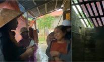 Thương xót người phụ nữ ngẩn ngơ vì mất con, Thủy Tiên tặng hơn 20 triệu dù bị ngăn cản
