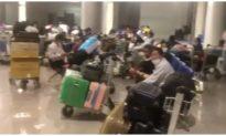 Hành khách từ Hàn Quốc về bức xúc khi Vietjet thông báo thay đổi giá khách sạn cách ly