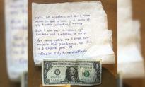 Người đàn ông vô gia cư quyên góp đồng đô la cuối cùng của mình để khắc phục hậu quả cuộc bạo loạn ở Portland