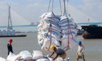 Trung Quốc ráo riết thu mua lương thực và hàng hoá chiến lược - Đồng nhân dân tệ 'tình cờ' tăng giá