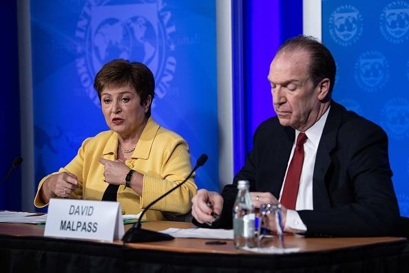 Nền kinh tế toàn cầu ở 'khúc ngoặt hiểm hóc', sự phục hồi là mong manh và chắp vá