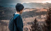 Lý do gì khiến cậu bé 10 tuổi đi bộ 2.800 cây số từ nước Ý đến nước Anh