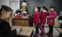 Trung Quốc che đậy việc hàng ngàn học sinh bị ngộ độc thực phẩm ở Liêu Ninh