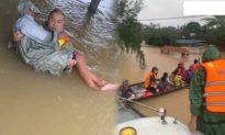 Nhóm bạn trẻ bỏ tiền tiết kiệm mua thuyền vượt lũ, cứu 120 người gặp nạn
