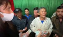 Bác nông dân mất trắng hơn 500 triệu sau lũ lớn, Thủy Tiên hỗ trợ trả tiền nợ ngân hàng