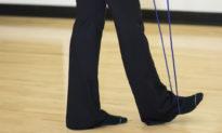 """Nhảy dây sai cách có thể gây chấn thương và chân bị """"bắp chuối"""" - Tập đúng cách thế nào?"""
