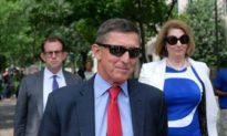 Twitter đã khóa tài khoản của luật sư Sidney Powell và Tướng Michael Flynn