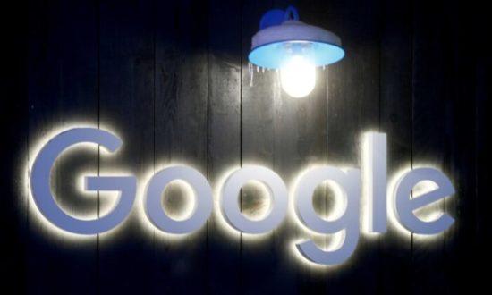 Logo của Google được nhìn thấy ở Davos, Thụy Sĩ, vào ngày 20 tháng 1 năm 2020. (Arnd Wiegmann / Reuters)