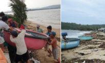 Hàng nghìn người dân chài hối hả khiêng thuyền thúng 'chạy' bão số 10