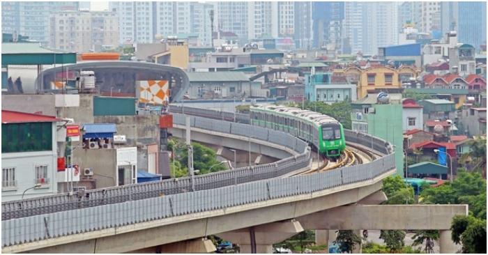 Hài hước dự án công: 'Nhờ đường sắt trên cao mà nắng có chỗ che, mưa có chỗ trú'