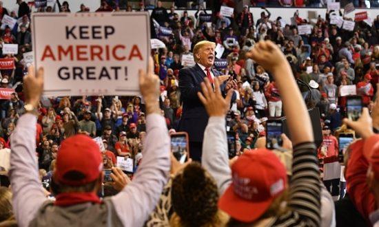 Tổng thống Hoa Kỳ Donald Trump phát biểu trong cuộc biểu tình