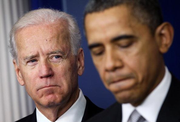 Ông Barack Obama đã cho phép quân nhân nam có thể sử dụng nhà vệ sinh nữ, miễn là họ công khai giới tính của bản thân là đồng tính. Liệu tương lai nước Mỹ sẽ ra sao nếu đặt niềm tin vào một người như Joe Biden - vốn được ông Obama ủng hộ hết mình?