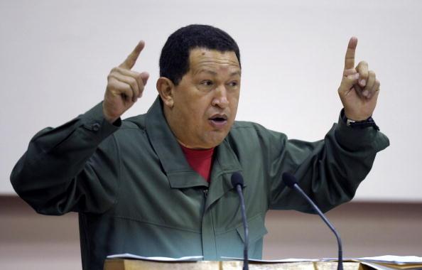 Tổng thống Venezuela Hugo Chavez phát biểu trong Hội nghị thượng đỉnh Liên minh Bolivar cho châu Mỹ (ALBA) tại Havana, vào ngày 12 tháng 12 năm 2009 (Ảnh: OMAR TORRES / AFP qua Getty Images)