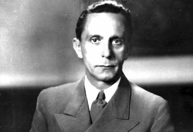 """Joseph Goebbels - bộ trưởng tuyên truyền của Đức quốc xã, người nổi tiếng với câu nói """"lời nói dối nghìn lần sẽ trở thành sự thật""""."""