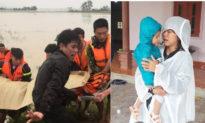 Nghệ An: Một ngày tìm thấy 5 thi thể bị nước lũ cuốn trôi, vợ trẻ ôm con khóc chồng và anh trai