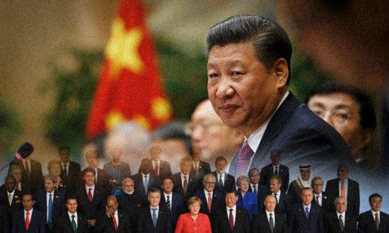 """Họ biết tất cả các tội ác của ĐCSTQ nhưng khi gặp Tập Cận Bình thì họ nhìn thấy đó là một anh hùng. ĐCSTQ luôn đi đầu trong chiến dịch """"toàn cầu hóa về hình thái ý thức"""" theo hệ tư tưởng của ĐCSTQ (Ảnh: NTD Việt Nam tổng hợp từ Getty images)"""