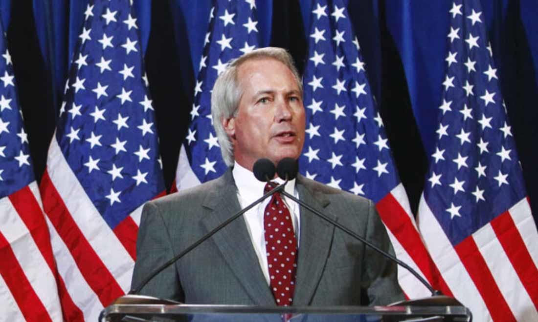 Lin Wood phát biểu trong một cuộc họp báo ở Scottsdale, Arizona ngày 8/11/2011 (Eric Thayer / Getty Images)