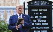 Tổng thống Trump là người được Chúa chọn? Số 7 của Thượng Đế ẩn chứa huyền cơ