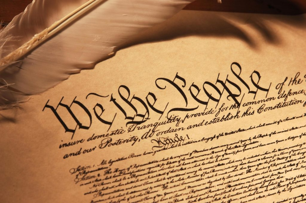 Bản Hiến pháp Hoa Kỳ chính là hình thức cao nhất của khế ước xã hội đó.