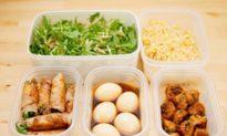 Làm thế nào để hâm nóng thức ăn thừa một cách an toàn? Những thức ăn nào không được nấu lại?