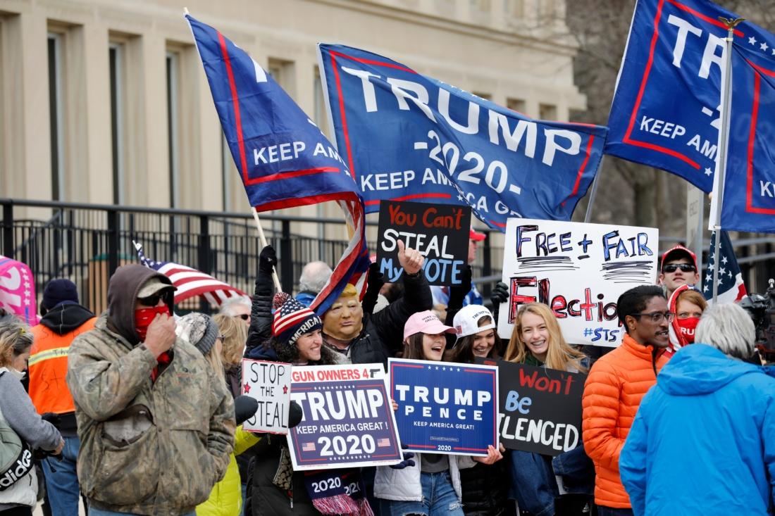 Tái kiểm phiếu xác nhận Tổng thống Trump giành lại chiến thắng tại một hạt ở bang Michigan