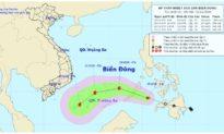 Áp thấp nhiệt đới ngoài biển Đông đang mạnh lên thành bão, không khí lạnh đã ảnh hưởng miền Trung