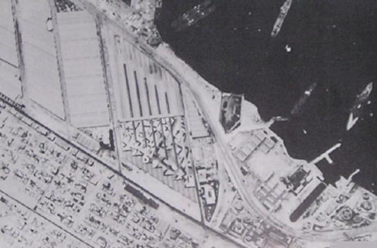 Cảng Alexandria, Ai Cập, nơi quân đội Anh vận chuyển binh lính, vũ khí, lương thực chi viện cho chiến trường Bắc Phi đã được ảo thuật gia Jasper Maskelyne ngụy trang sang địa điểm khác để đánh lừa quân Đức.