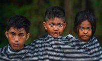 Kinh ngạc với bộ tộc người mắt xanh ở Indonesia