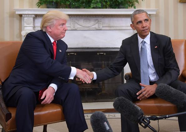 Cựu Tổng thống Obama đã liên tục tìm cách nói xấu Flynn với nhóm chuyển tiếp của chính quyền Trump, nói rằng Flynn là nguy cơ an ninh và có thông đồng với Nga.