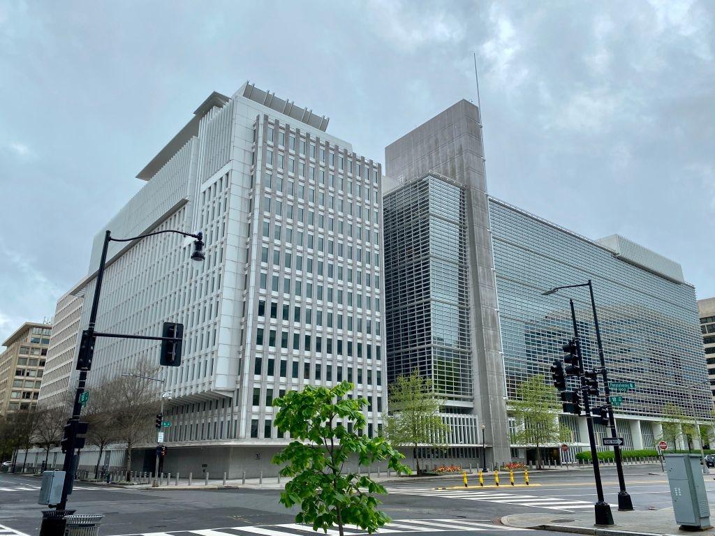 Ngân hàng Thế giới ép nhân viên nâng hạng cho Trung Quốc và Ả Rập Xê-út